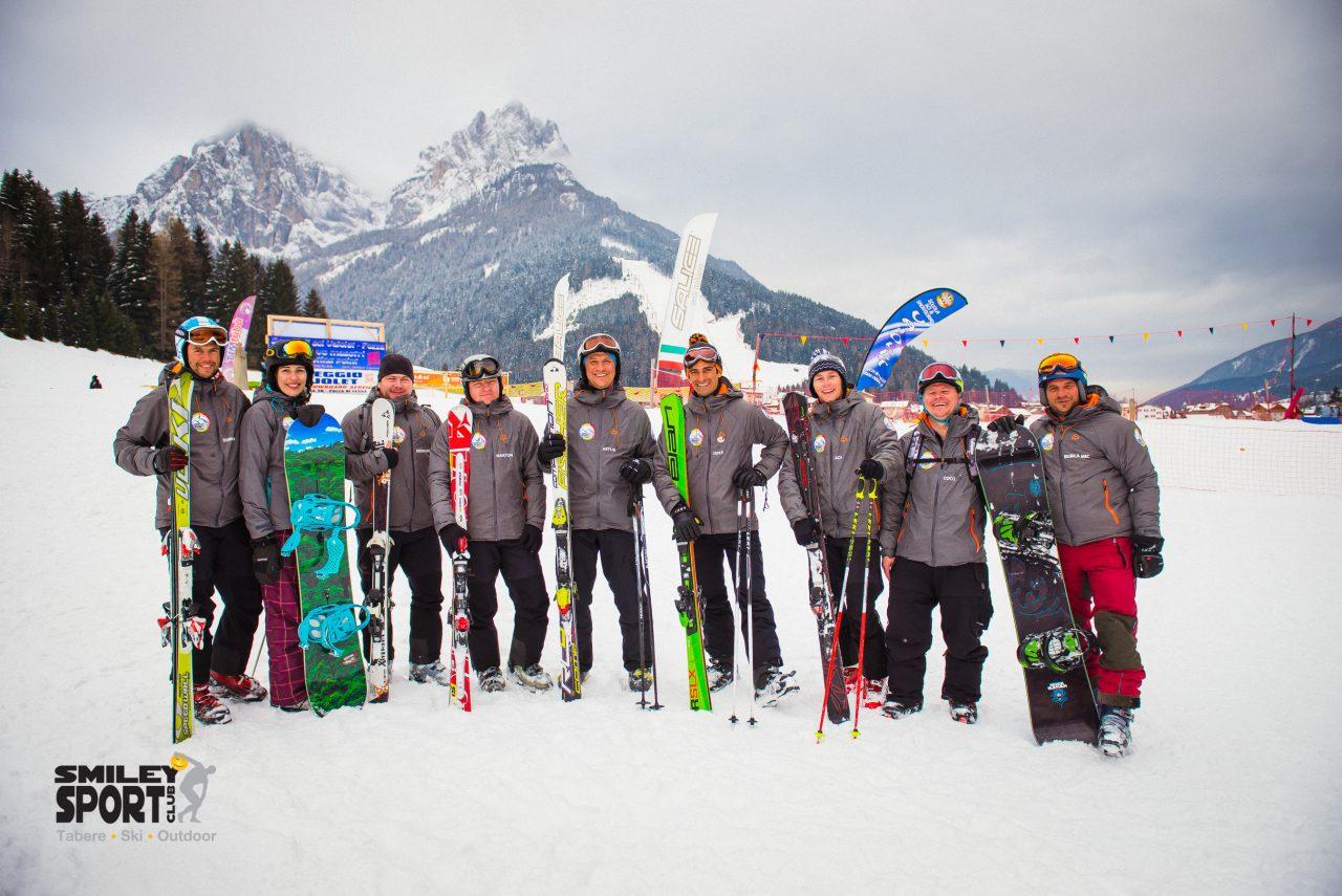 Echipa monitori de ski Tabara de ski si snowboard Italia